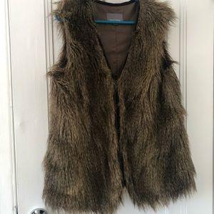 Tinley Road faux fur vest